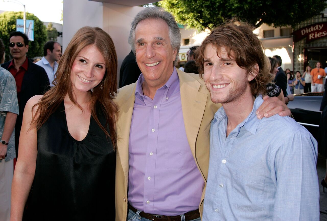 Henry Winkler smiles with his kids, Zoe and Max. | Source: Getty Images