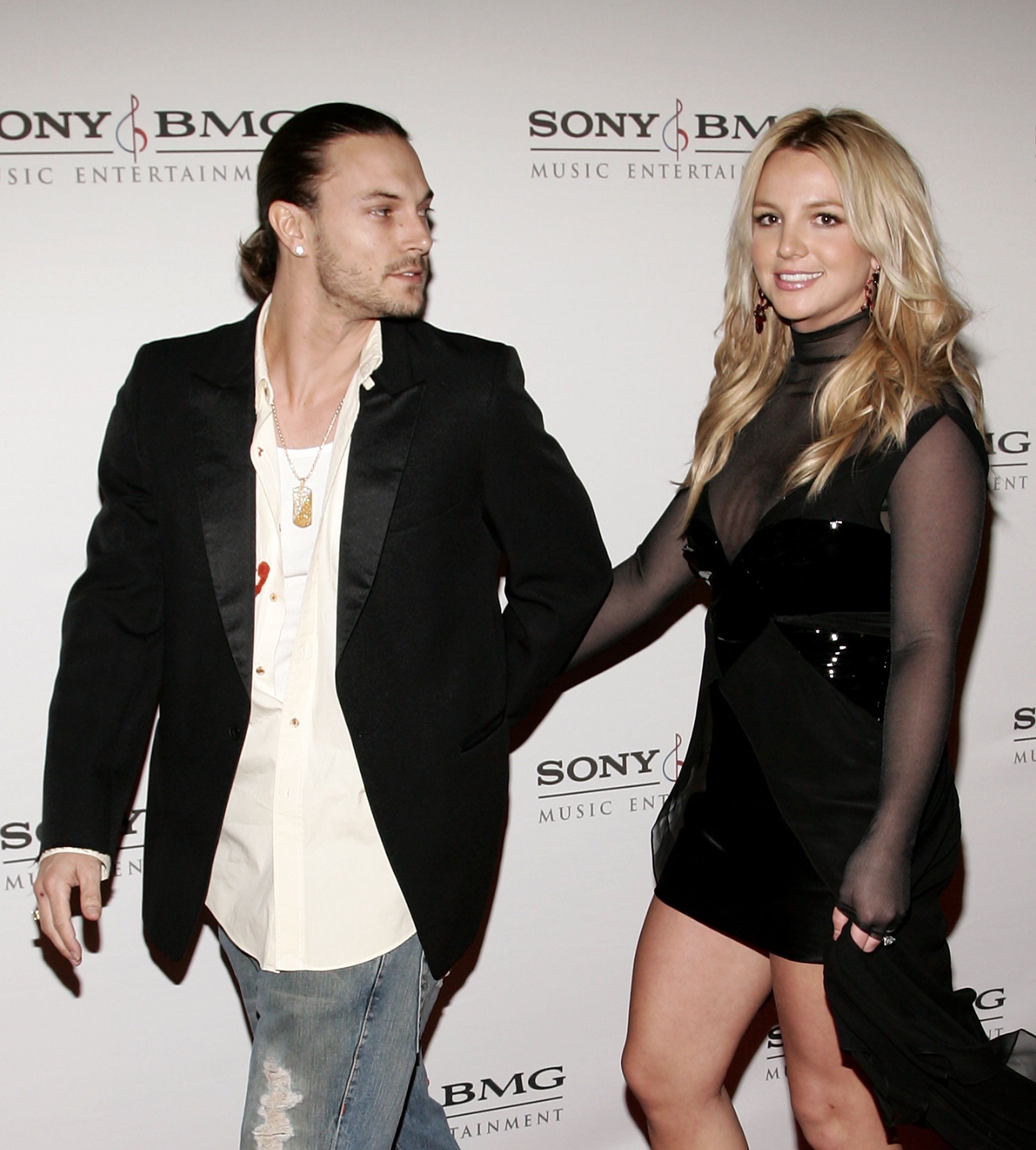 inger Britney Spears and husband Kevin Federline arrive at the SONY BMG Grammy Party. | Source: Getty Images