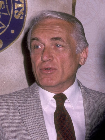 Actor Ted Knight attends the 20th Annual Publicists Guild of America Awards on April 8, 1983 at Beverly Hilton Hotel in Beverly Hills, California | Photo: Getty Images