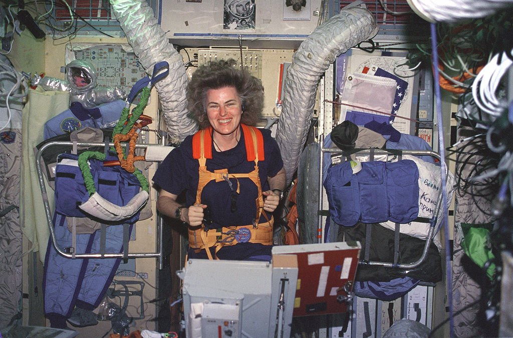 Shannon Lucid on Treadmill in Russian Mir Space Station | Source: Wikimedia Commons