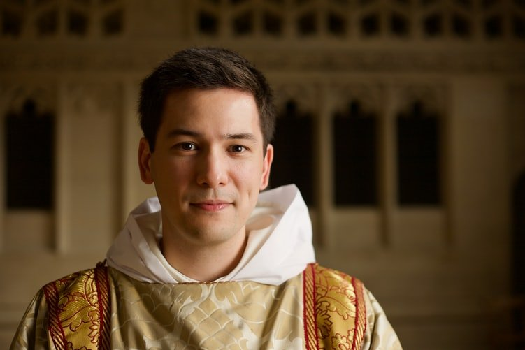 A photo of a young priest. | Photo: Unsplash.