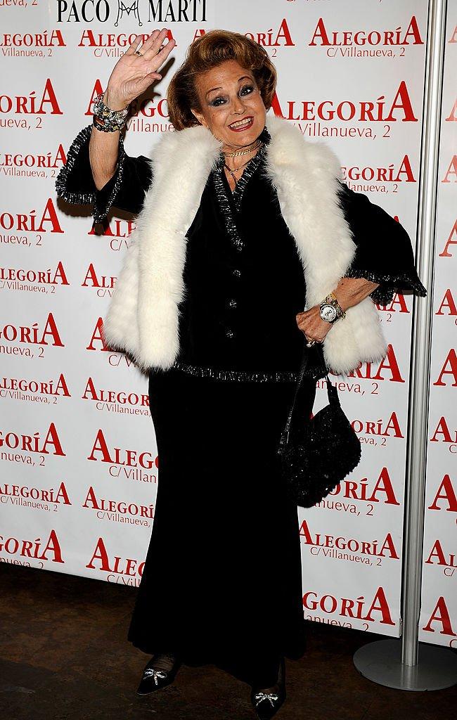Carmen Sevilla en la fiesta de cumpleaños de Concha Velasco en el Alegoria Club el 24 de noviembre de 2009 en Madrid, España. | Imagen: Getty Images