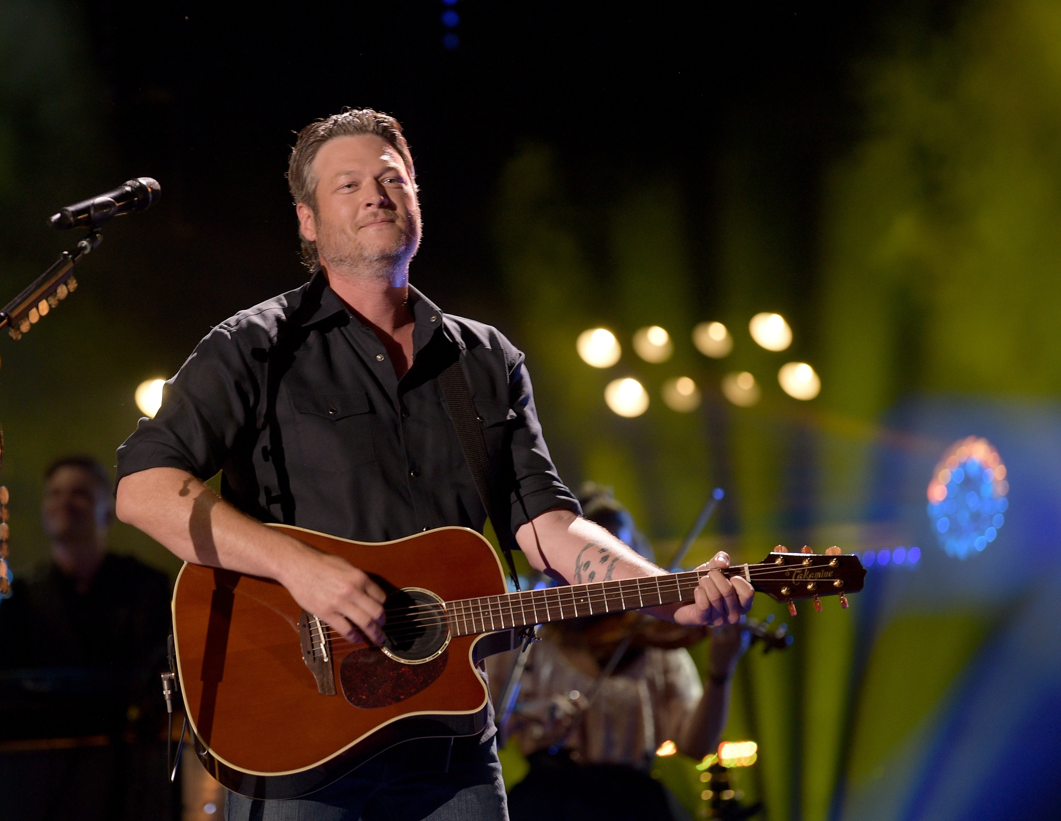 Blake Shelton performs onstage during the 2018 CMA Music festival at Nissan Stadium on June 8, 2018. | Photo: GettyImages