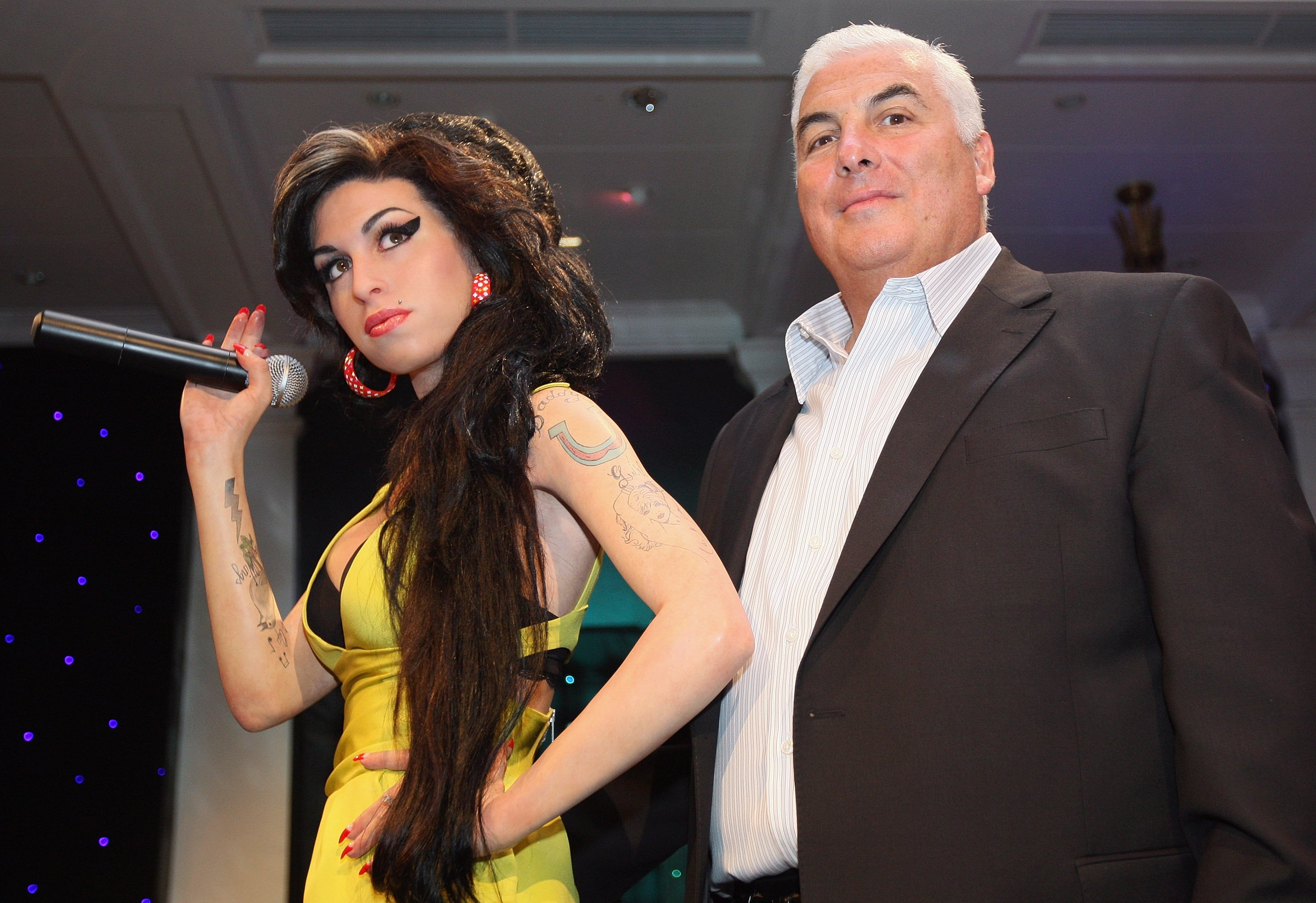 Amy Winehouse's father Mitch Winehouse unveil a waxwork figure of Grammy Award winning singer Amy Winehouse at Madame Tussauds on July 23, 2008 in London, England | Source: Getty Images