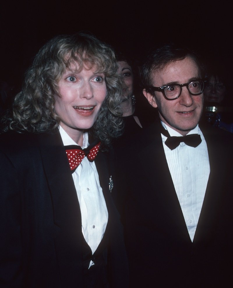 Woody Allen and Mia Farrow on April 14, 1986 at the Waldorf Hotel in New York City | Photo: Getty Images