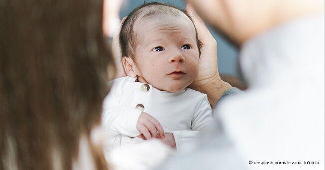 Une femme donne naissance à des jumeaux 26 jours après le premier accouchement en raison d'une anomalie anatomique rare