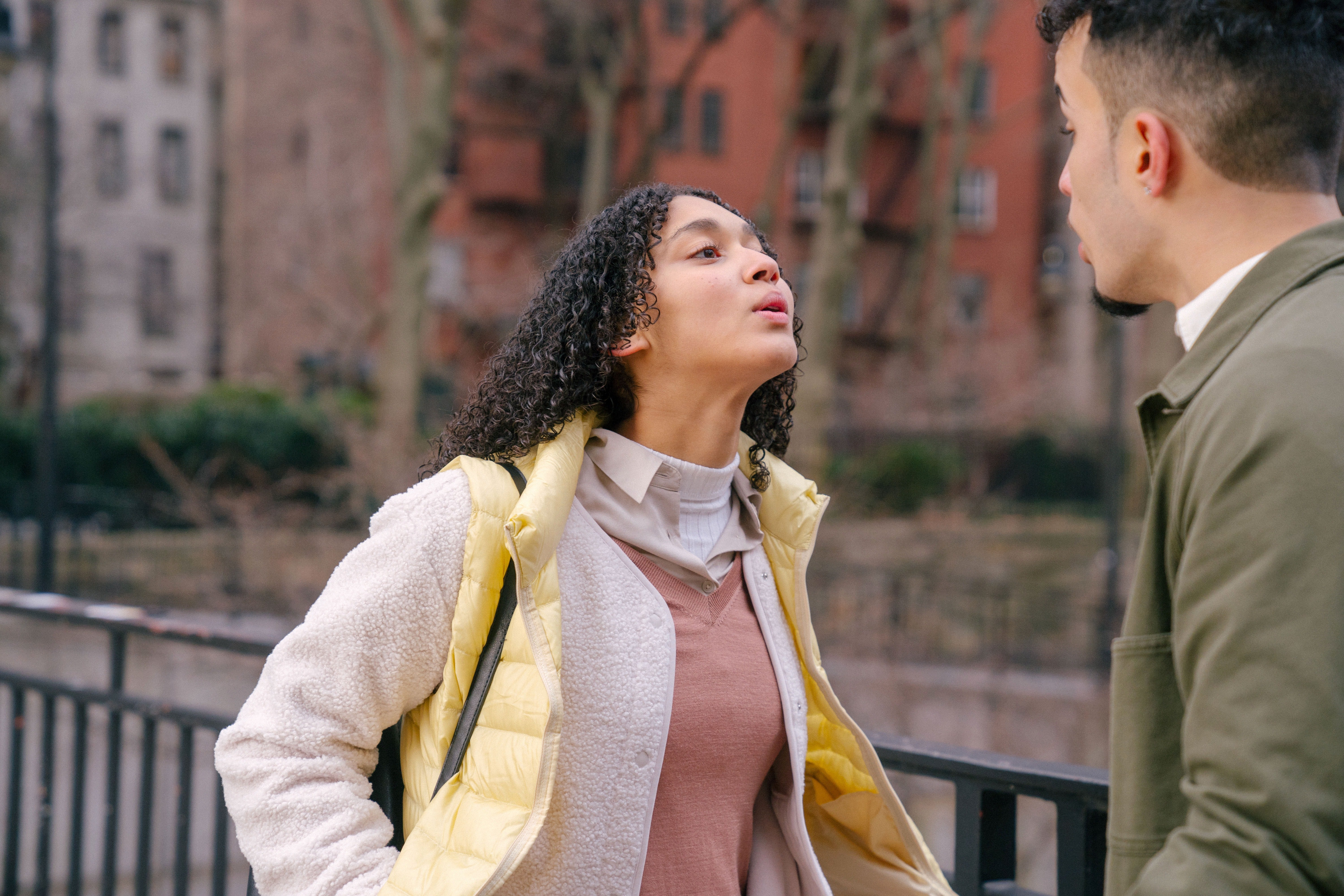 Young woman argues with her fiancé | Photo: Pexels