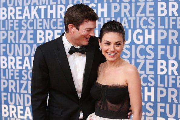 Ashton Kutcher und Mila Kunis, 2018 Breakthrough Prize | Quelle: Getty Images