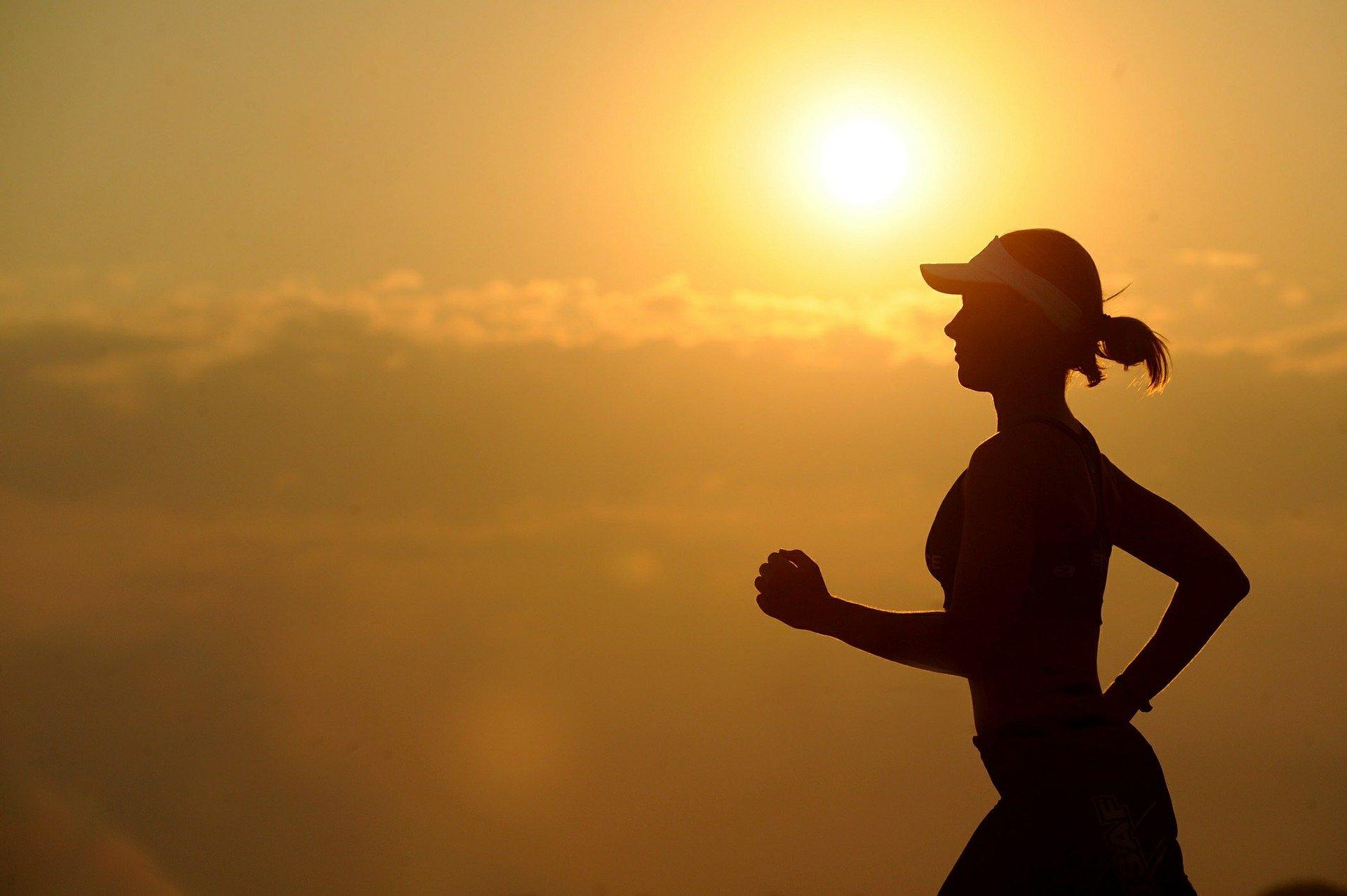 Une femme qui court | Source : Pixabay