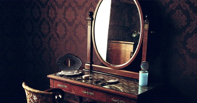 Daily Joke: A Redhead, a Brunette and a Blonde Look at Magic Mirror