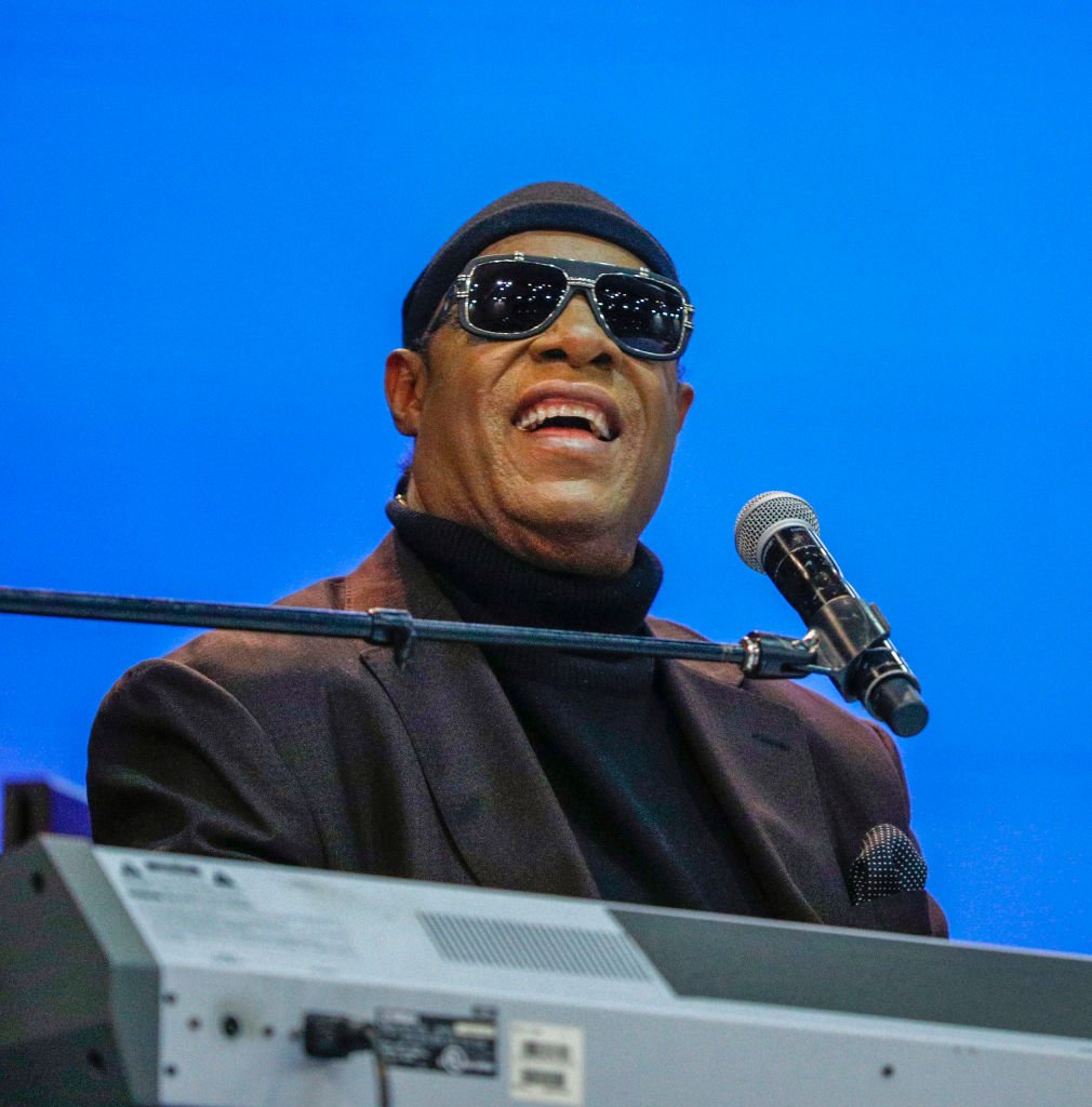 Stevie Wonder performs at the funeral of former U.S. Congressman John Conyers Jr. on November 4, 2019 in Detroit, Michigan.| Photo: Getty Images