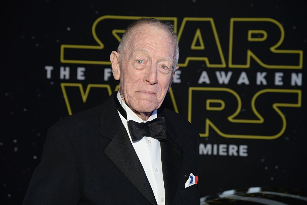 "Max von Sydow arrives at the premiere of Walt Disney Pictures' and Lucasfilm's ""Star Wars: The Force Awakens"" on December 14, 2015 in Hollywood, California 
