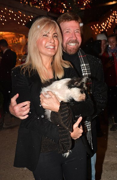 Chuck Norris and wife Gena O'Kelley during the Gut Aiderbichl Christmas Market opening on November 12, 2019 | Photo: Getty Images