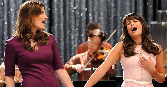 """Idina Menzel and Lea Michele performing together in the """"I Am Unicorn"""" episode of """"Glee,"""" September 2011 