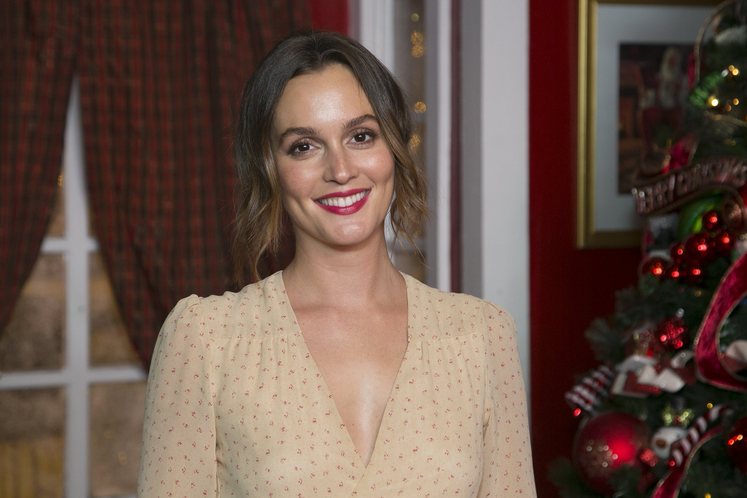 Leighton Meester attends The Americana At Brand Annual Christmas Tree Lighting And Show at The Americana at Brand on November 14, 2019 | Photo: Getty Images