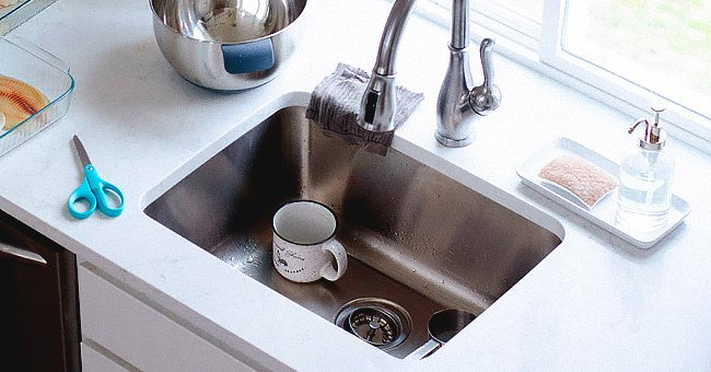 Common Mistakes to Avoid While Cleaning the Drain from Blockage