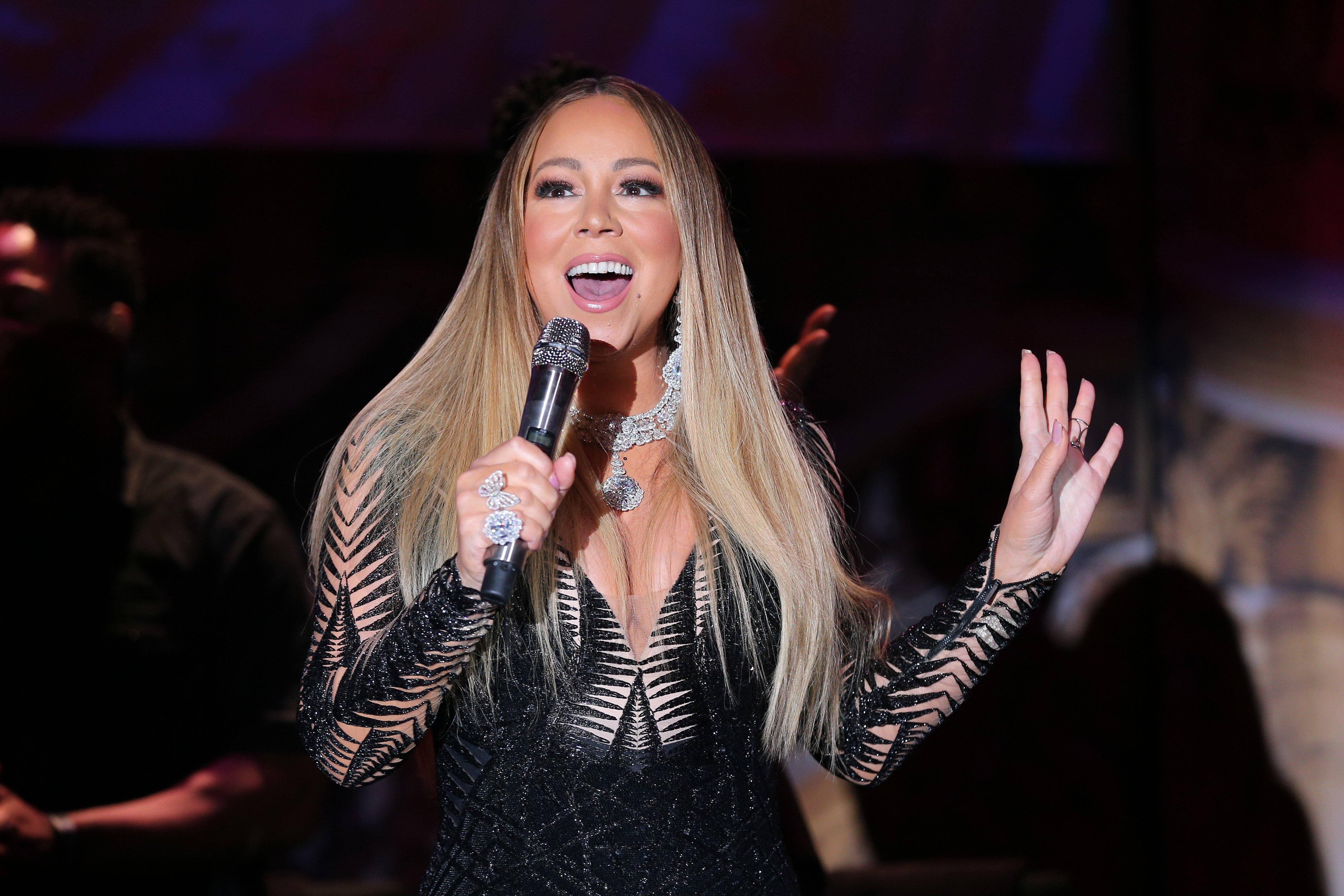 Mariah Carey performs at the amfAR Cannes Gala 2019 at Hotel du Cap-Eden-Roc on May 23, 2019 in Cap d'Antibes, France | Photo: GettyImages