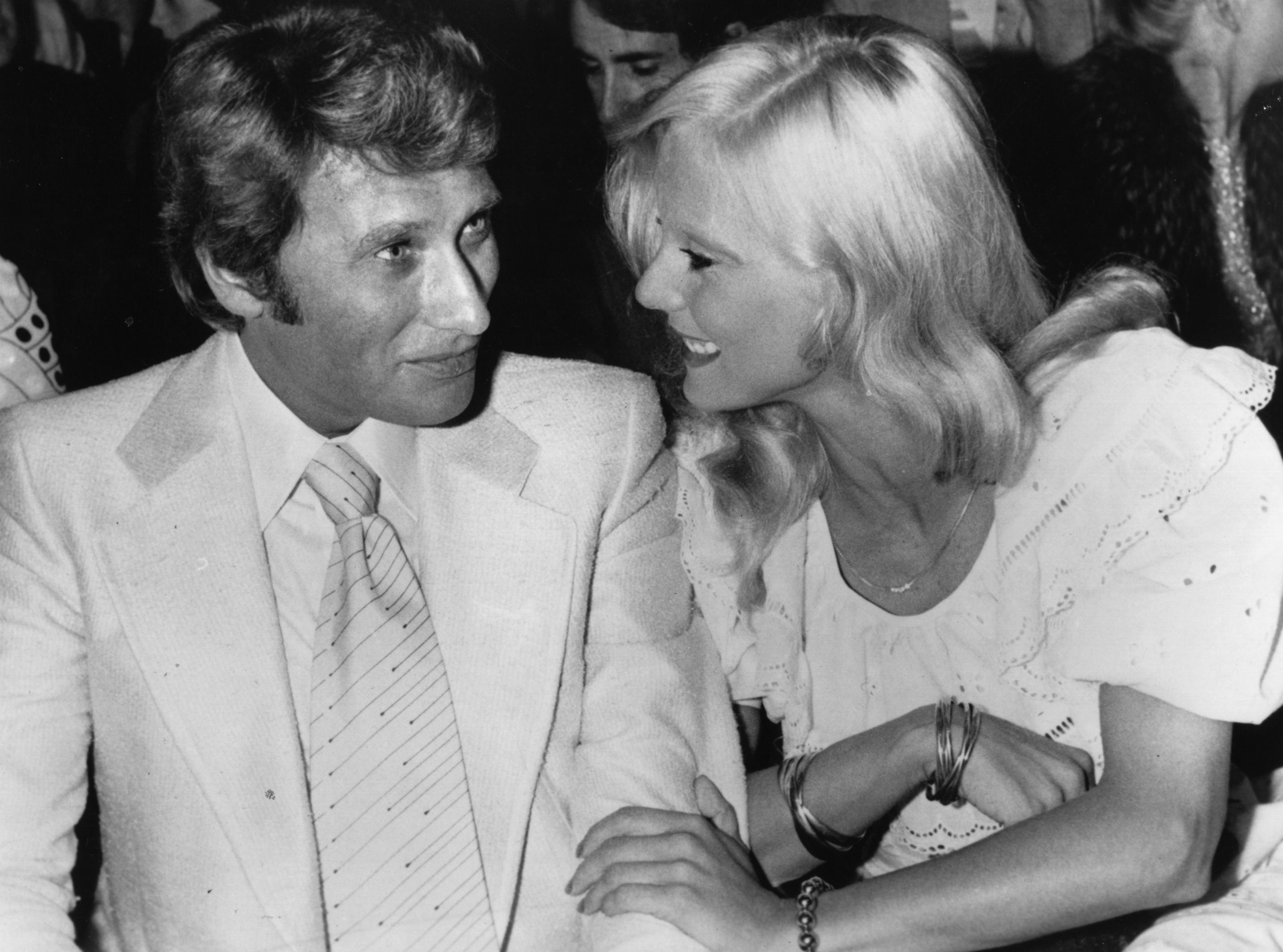 Johnny Hallyday et Sylvie Vartan, chanteurs pop français | Photo : Getty Image