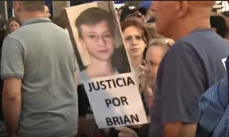 Manifestación por Brian (Foto: YouTube/Télam)