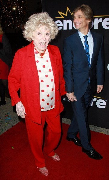 Phyllis Diller and director Gregg Barson at Paramount Theater on the Paramount Studios lot on December 7, 2011 in Hollywood, California. | Photo: Getty Images