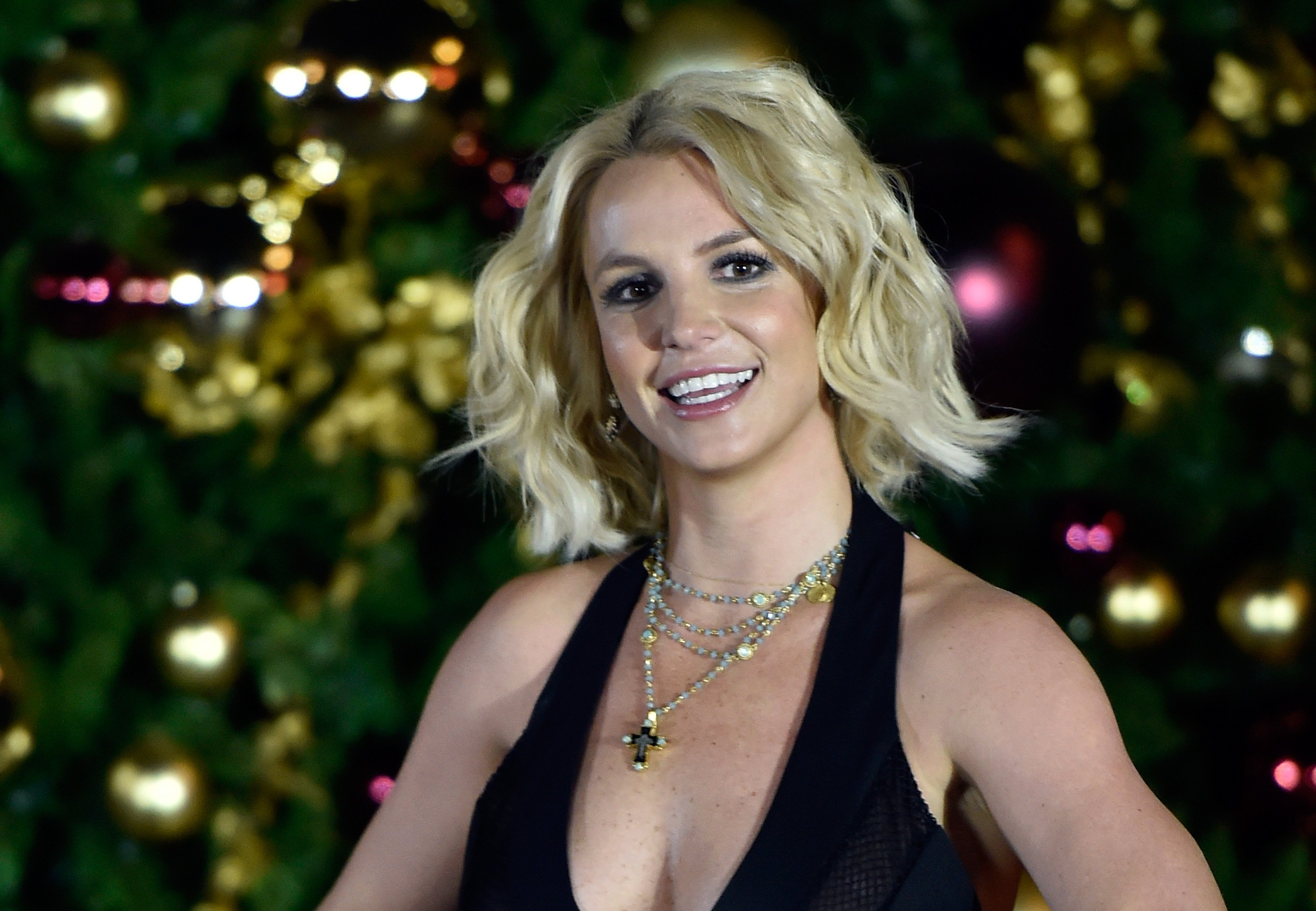 Britney Spears arrives at a Christmas tree-lighting ceremony on November 21, 2015, in Las Vegas, Nevada. | Source: Getty Images.