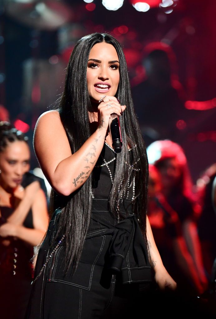 Demi Lovato performs onstage during the 2017 American Music Awards | Source: Getty Images