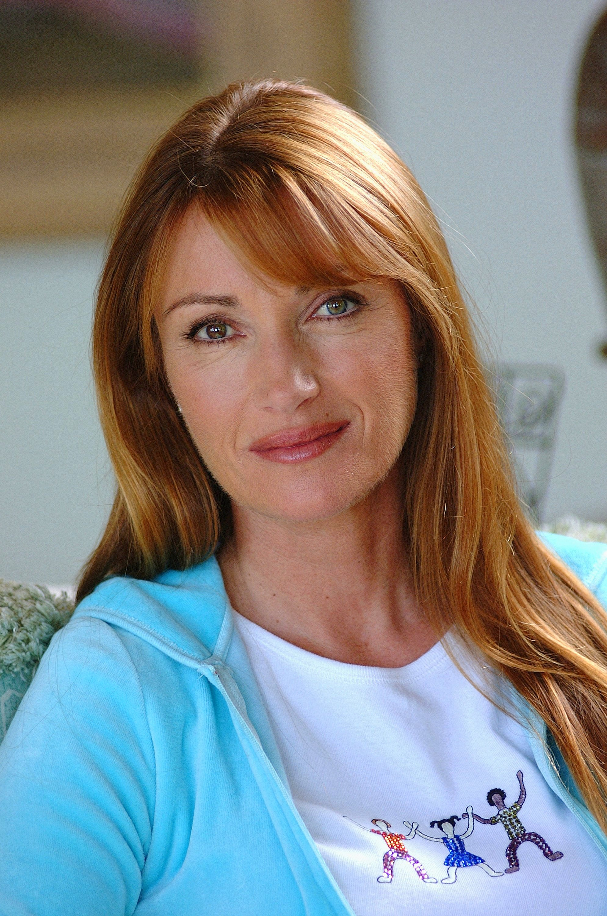 Jane Seymour at her home overlooking the Pacific ocean on June 12, 2002 | Photo: GettyImages