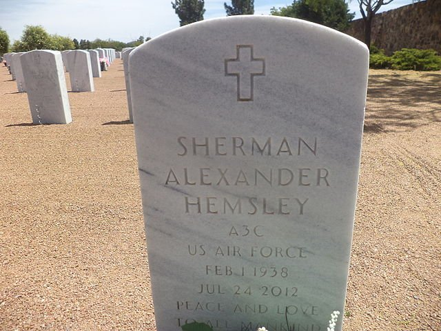 Sherman Hemsley marker at Fort Bliss National Cemetery. | Photo: Wikimedia Commons Images