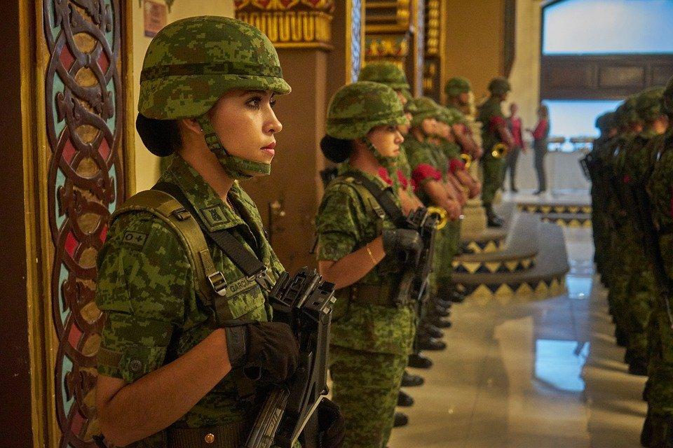 Mujeres soldado / Imagen tomada de: Pixabay