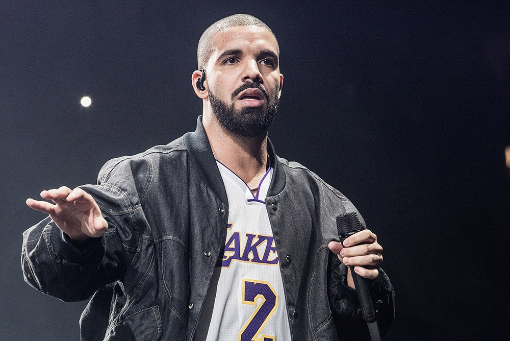 Drake performs at The Forum on September 27, 2016 in Inglewood, California. I Image: Getty Images.