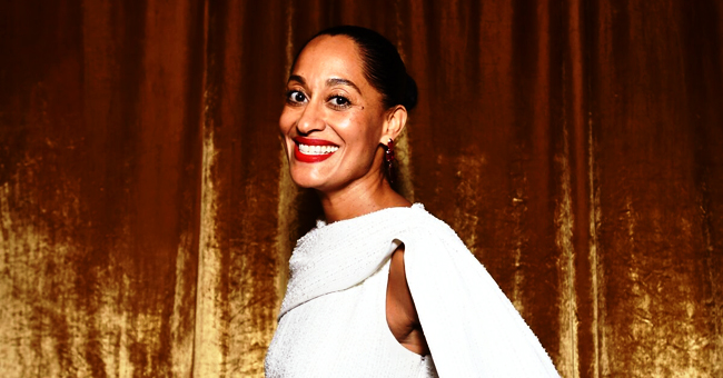 'Black-ish' Star Tracee Ellis Ross Posts New Swimsuit Photos & Gets Praised for Her Armpits