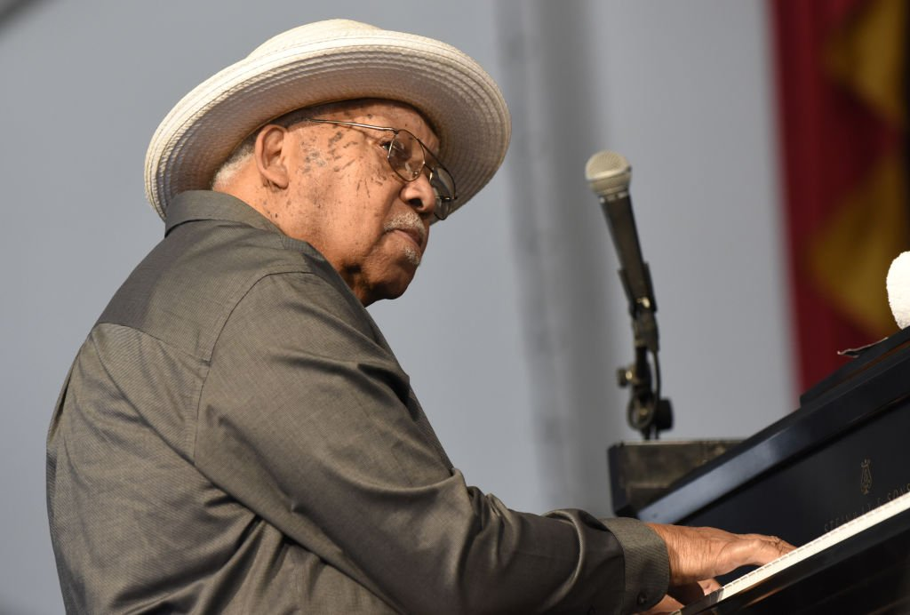 Ellis Marsalis perform during the 2017 New Orleans Jazz & Heritage Festival at Fair Grounds Race Course on May 7, 2017 | Photo: Getty Images