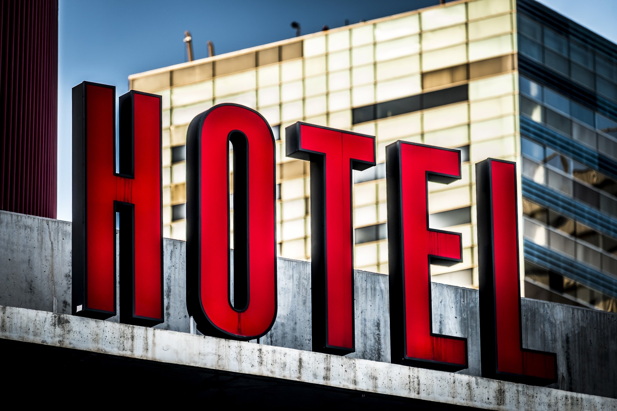 Signboard of an hotel. | Photo: Getty Images