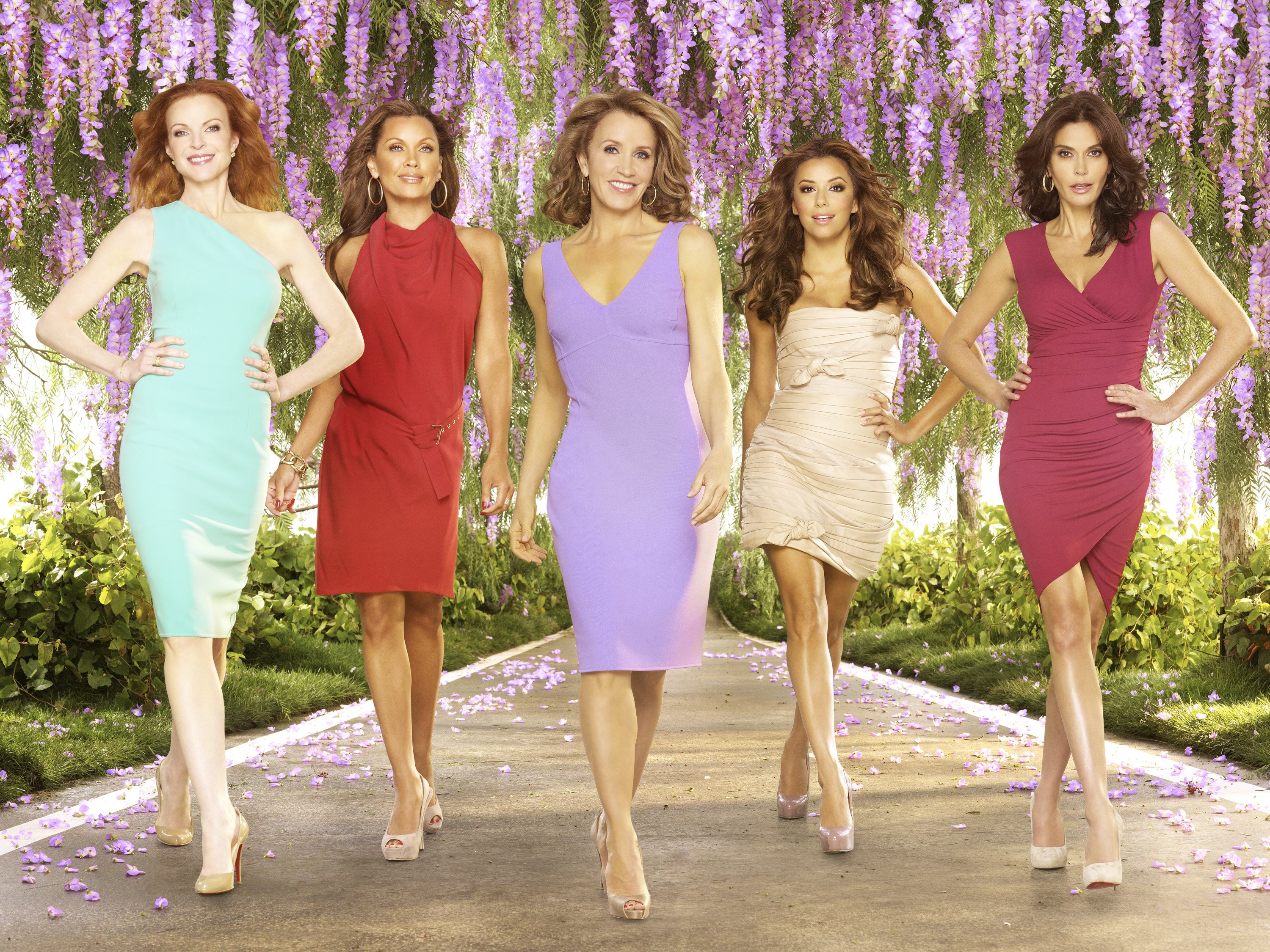 """Marcia Cross, Vanessa Williams, Felicity Huffman, Eva Longoria Parker, Teri Hatcher pose for a promotional photo for """"Desperate Housewives"""" in LA, 2010 