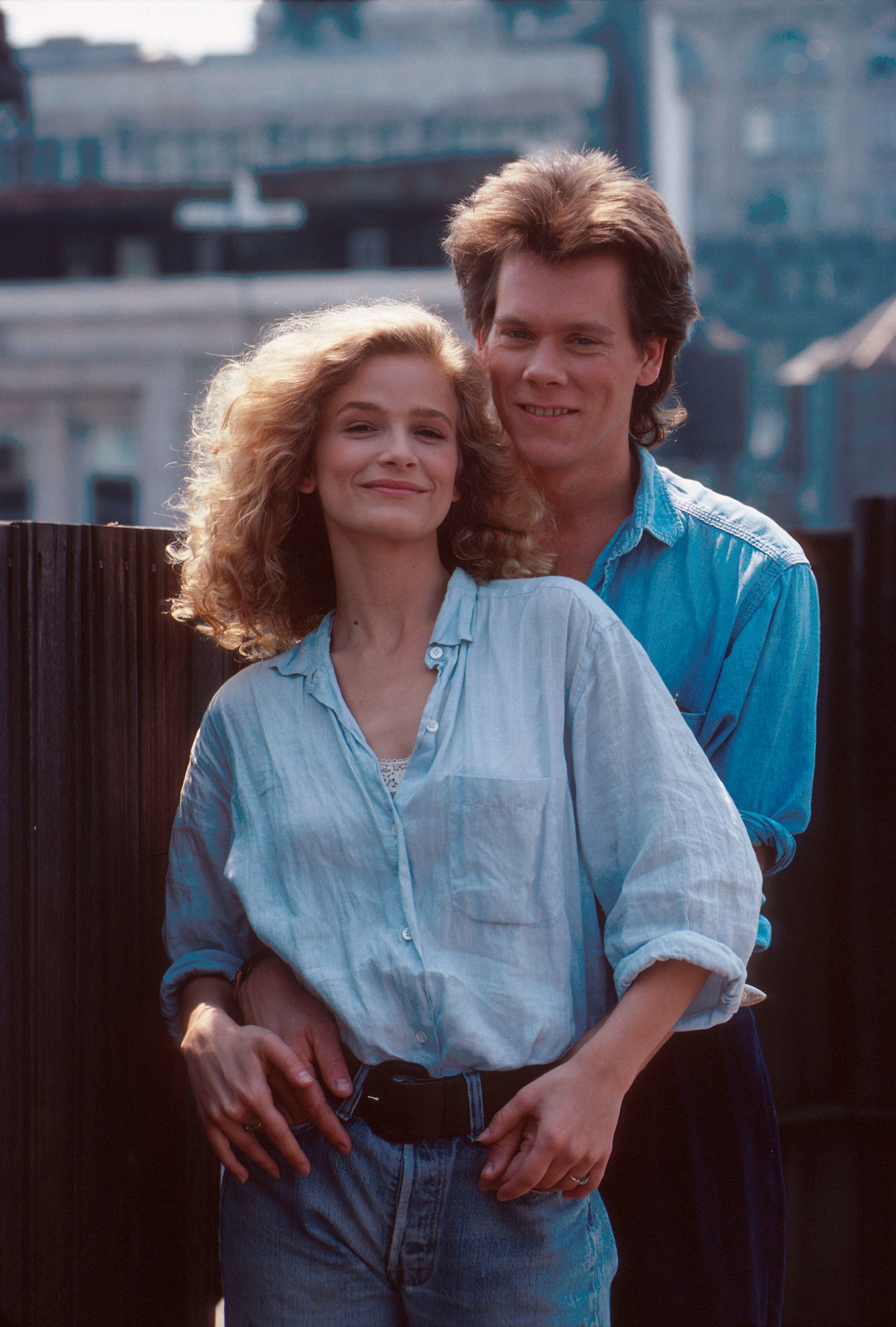 Kevin Bacon avec Kyra Sedgwick en séance photo à New York en 1988 | Getty Images