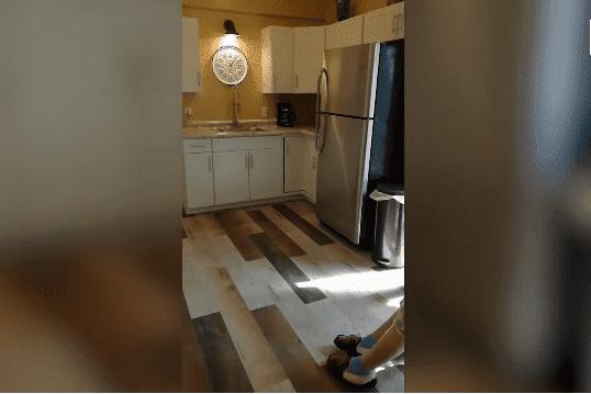 El área de cocina | Imagen tomada de: YouTube/Caters Clips