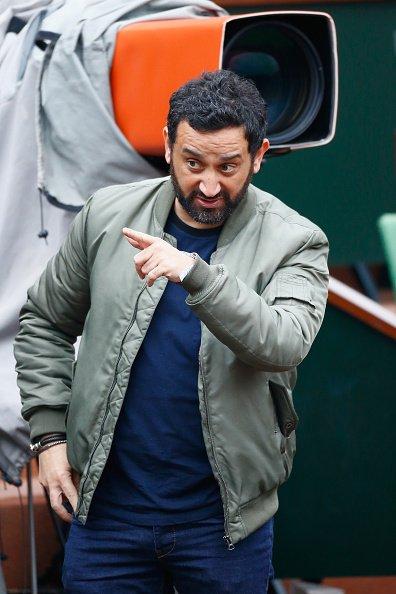 Cyril Hanouna participe à la 8ème Journée Portes Ouvertes du tennis français à Roland Garros le 29 mai 2016 à Paris | Getty Images
