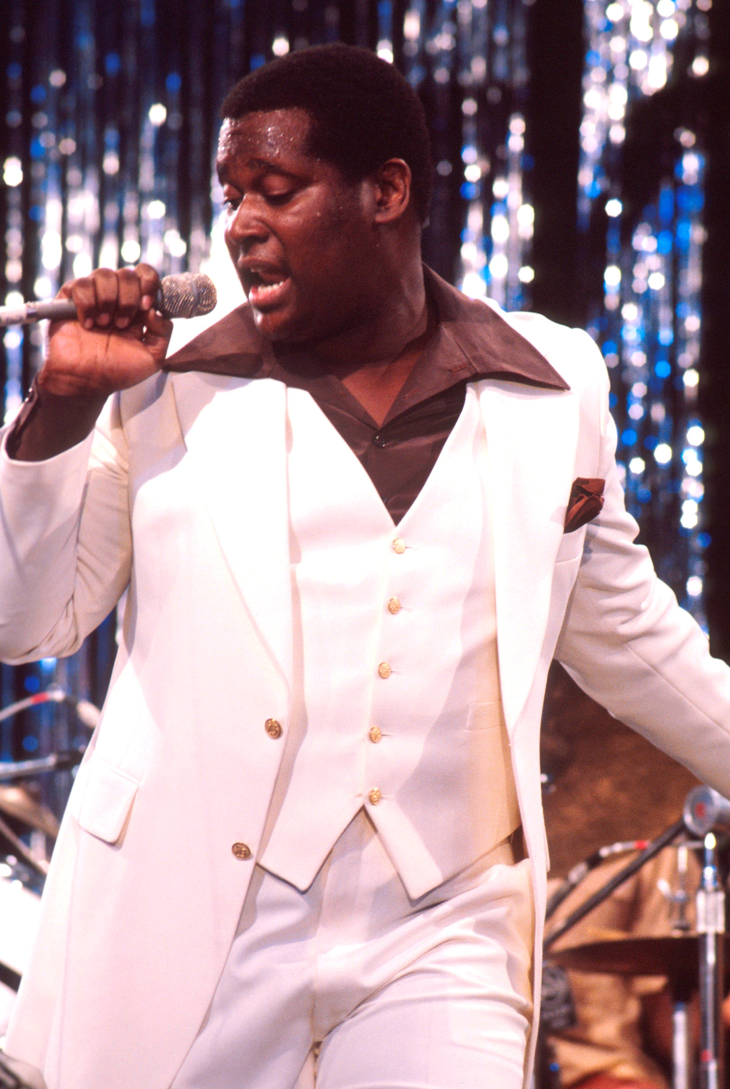 Luther Vandross performs on stage at Montreux Jazz Festival in 1977. |Photo: Getty Images