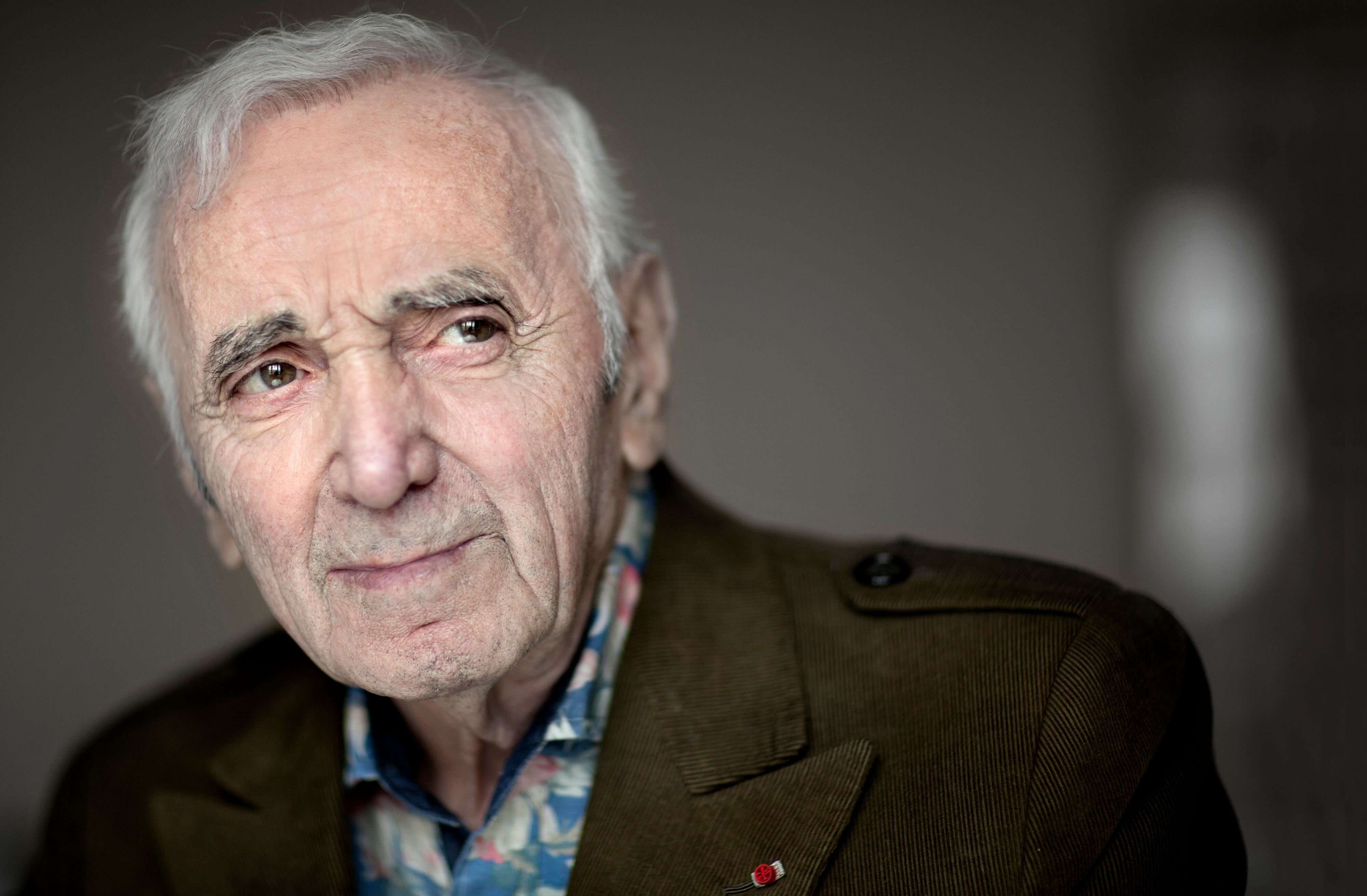 Le chanteur français Charles Aznavour photographié à Madrid, Espagne, le 26 avril 2015. | Photo : GettyImage