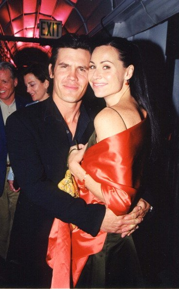 Minnie Driver and Josh Brolin in Los Angeles, California, United States in 2000. | Photo: Getty Images
