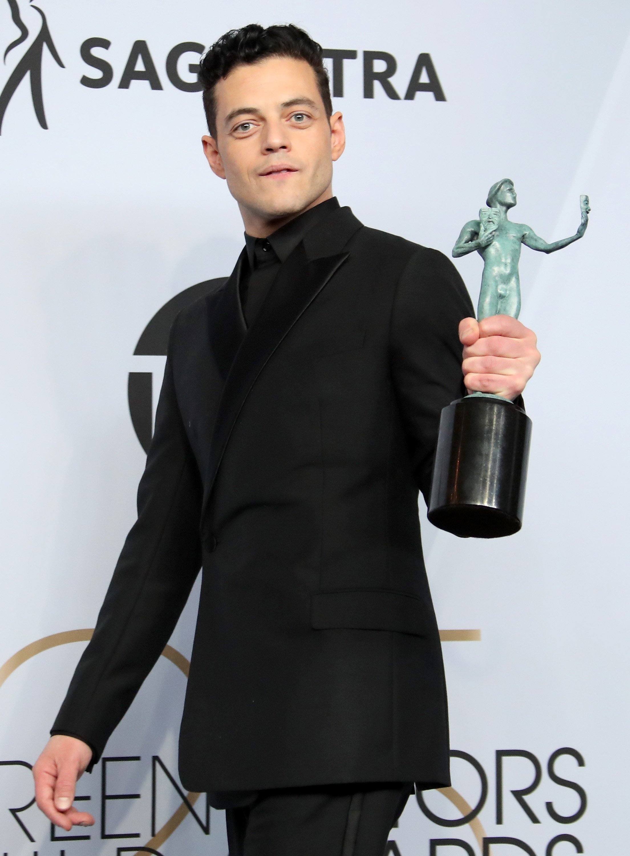 Rami Malek holds his award at the 25th Annual Screen Actors Guild Awards on January 27, 2019 in Los Angeles, California.   Photo: Getty Images