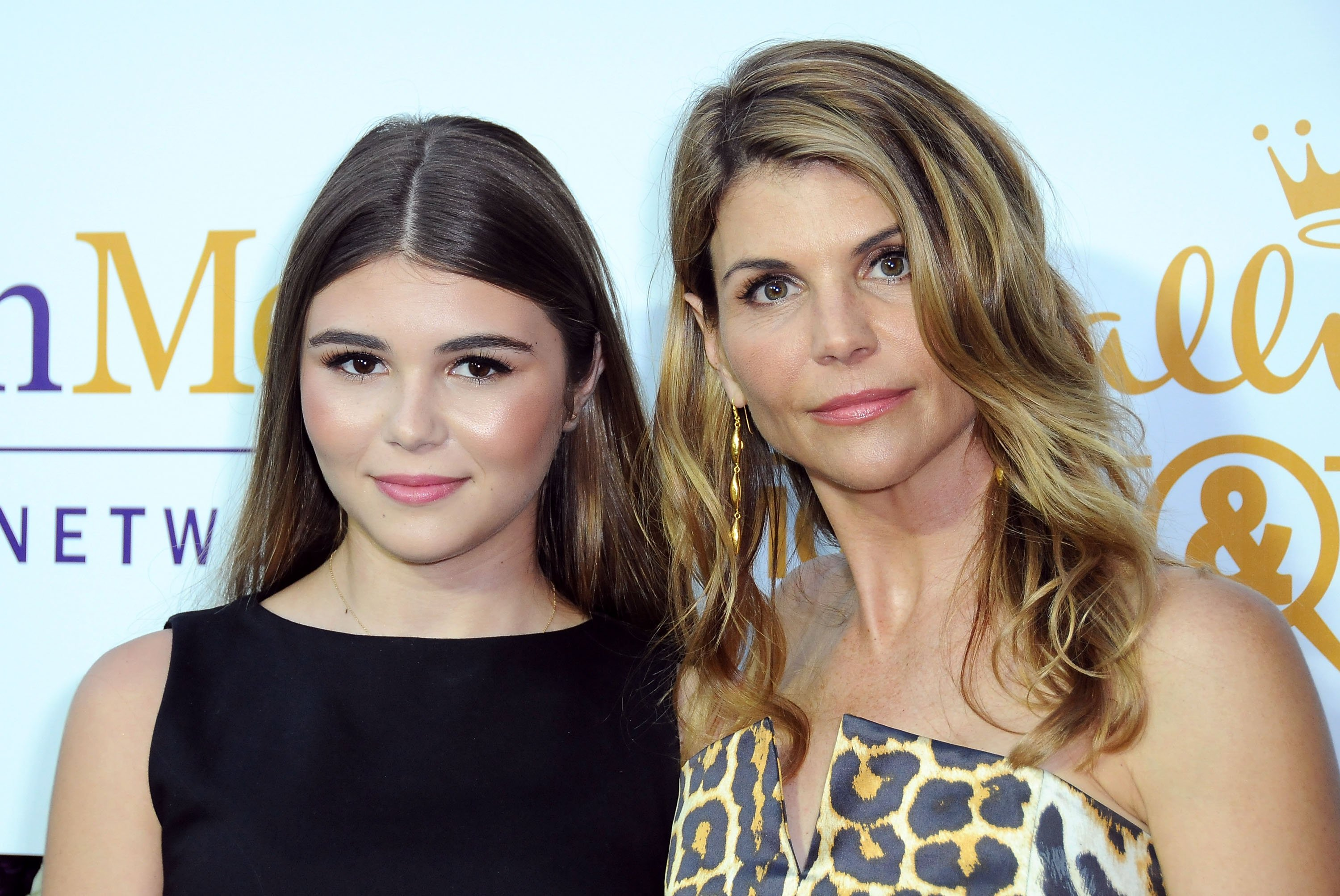 Olivia Jade Giannulli with her mother, Lori Loughlin at a Hallmark event in July 2015. | Photo: Getty Images