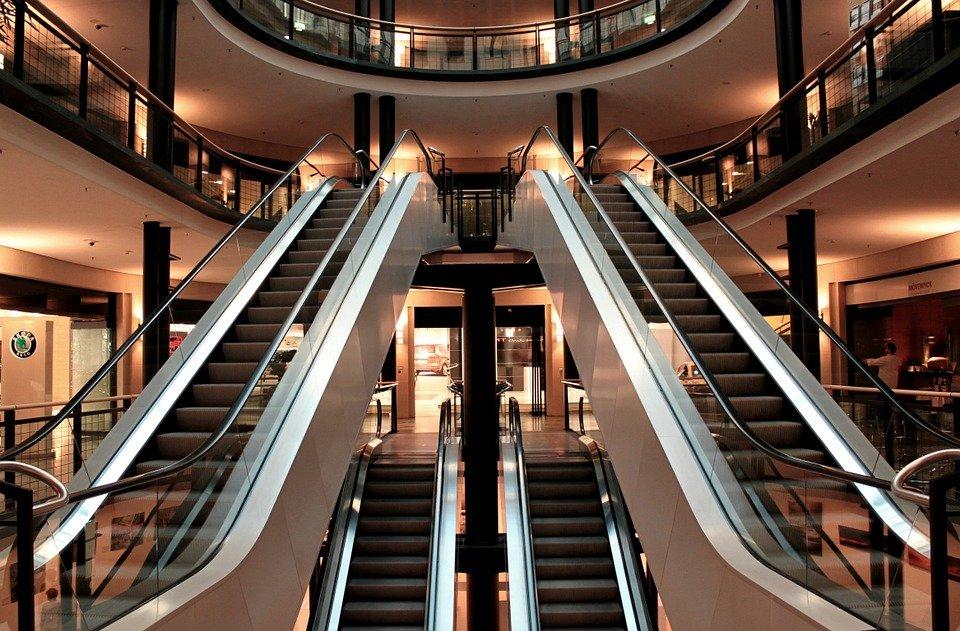 Escaleras mecánicas.| Imagen: Pixabay