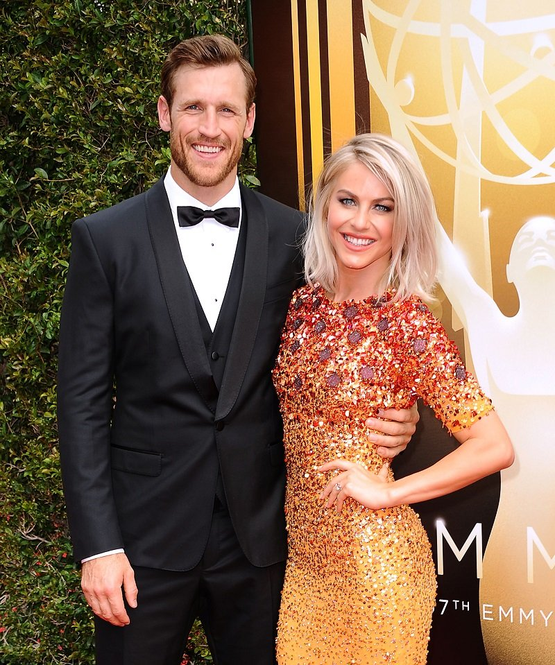 Brooks Laich and Julianne Hough on September 12, 2015 in Los Angeles, California   Photo: Getty Images