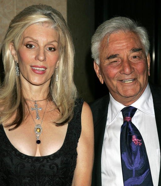 Peter Falk and Shera Danese at the 33rd Annual Vision Awards on June 24, 2006 | Photo: GettyImages
