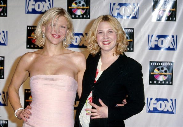 Courtney Love and Drew Barrymore at Shrine Auditorium in Los Angeles, California, United States.   Photo: Getty Images
