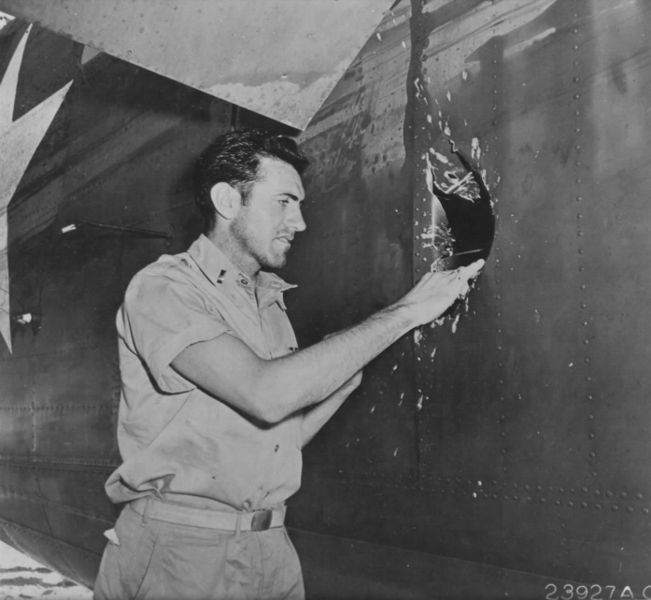 Louis Zamperini with his B-24D Liberator Super Man in Nauru, in April 1943 | Source: Wikimedia Commons/ Public domain