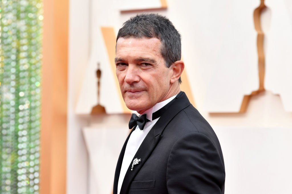 Antonio Banderas nimmt am 09. Februar 2020 an den 92. jährlichen Academy Awards in Hollywood and Highland teil. | Quelle: Getty Images