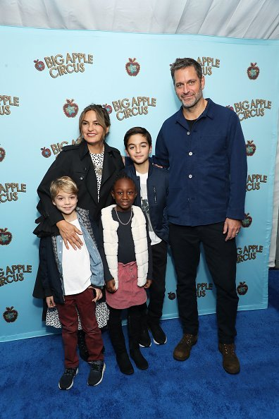 Mariska Hargitay, Peter Hermann and family attend the Opening Night of Big Apple Circus at Lincoln Center with Celebrity Ringmaster Neil Patrick Harris on October 27, 2019 | Photo: GettyImages