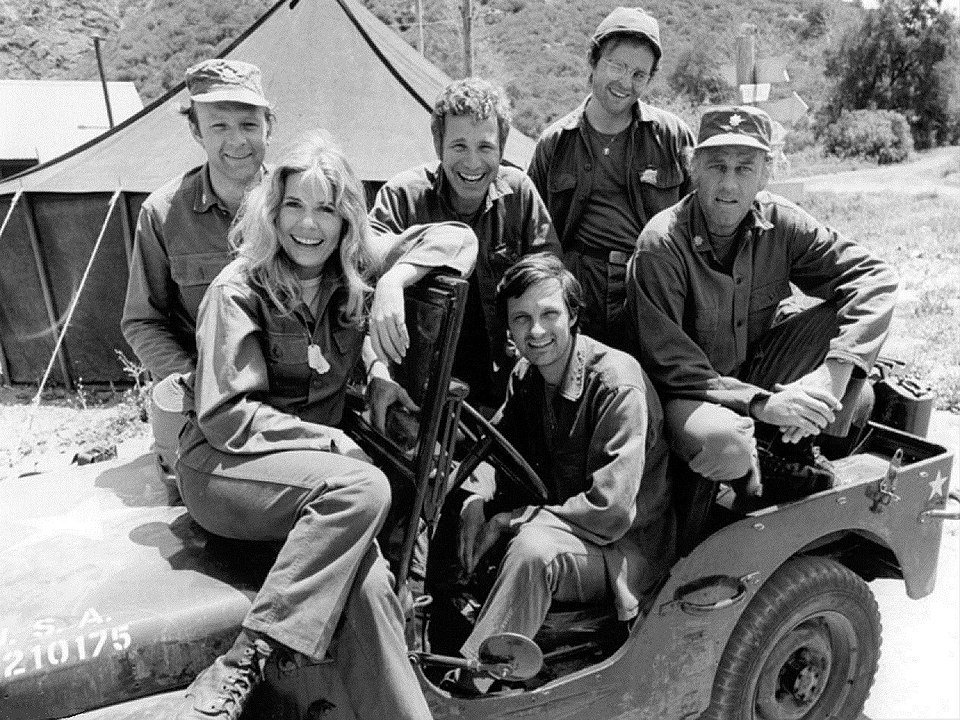 Publicity photo of the cast of M*A*S*H shot just prior to the production of Season 2, 1974 | Photo: Wikimedia Commons Images